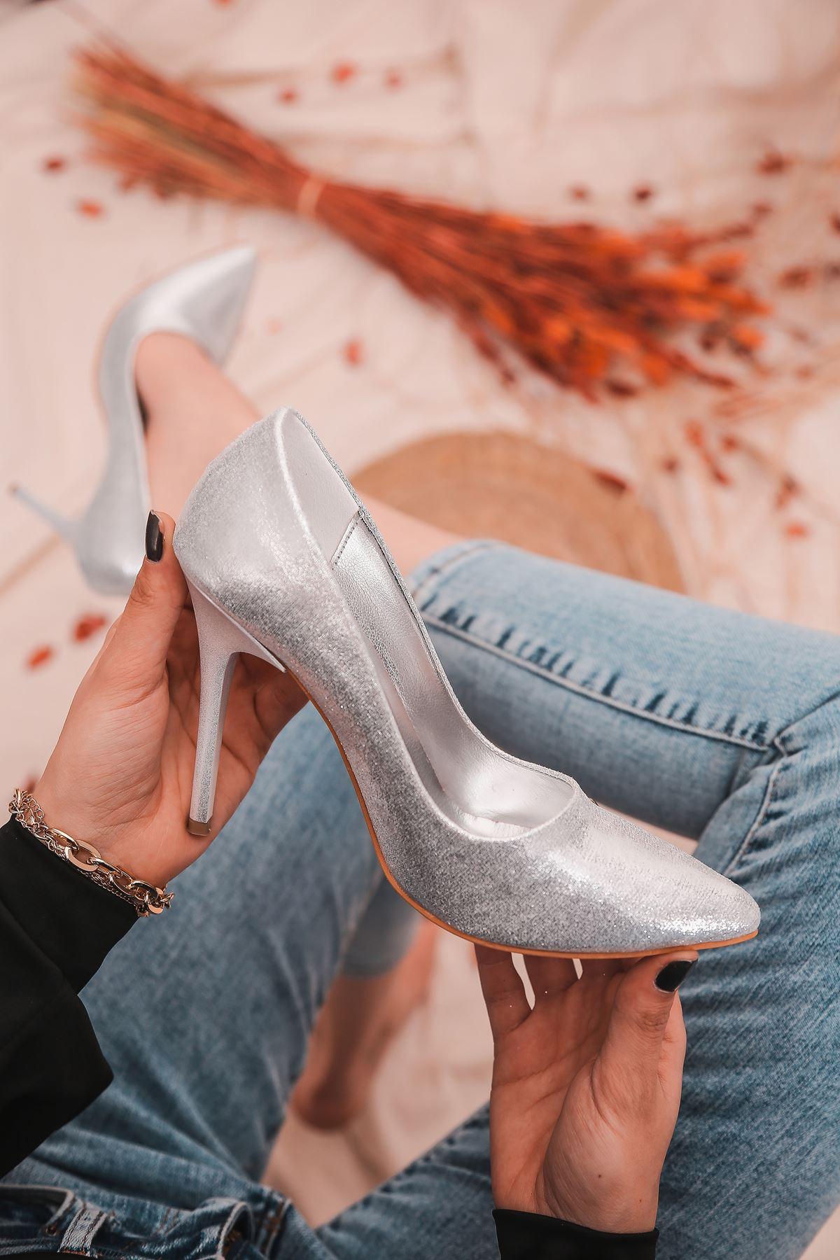 Ruha Yüksek Topuklu Gümüş Rugan Kadın Stiletto