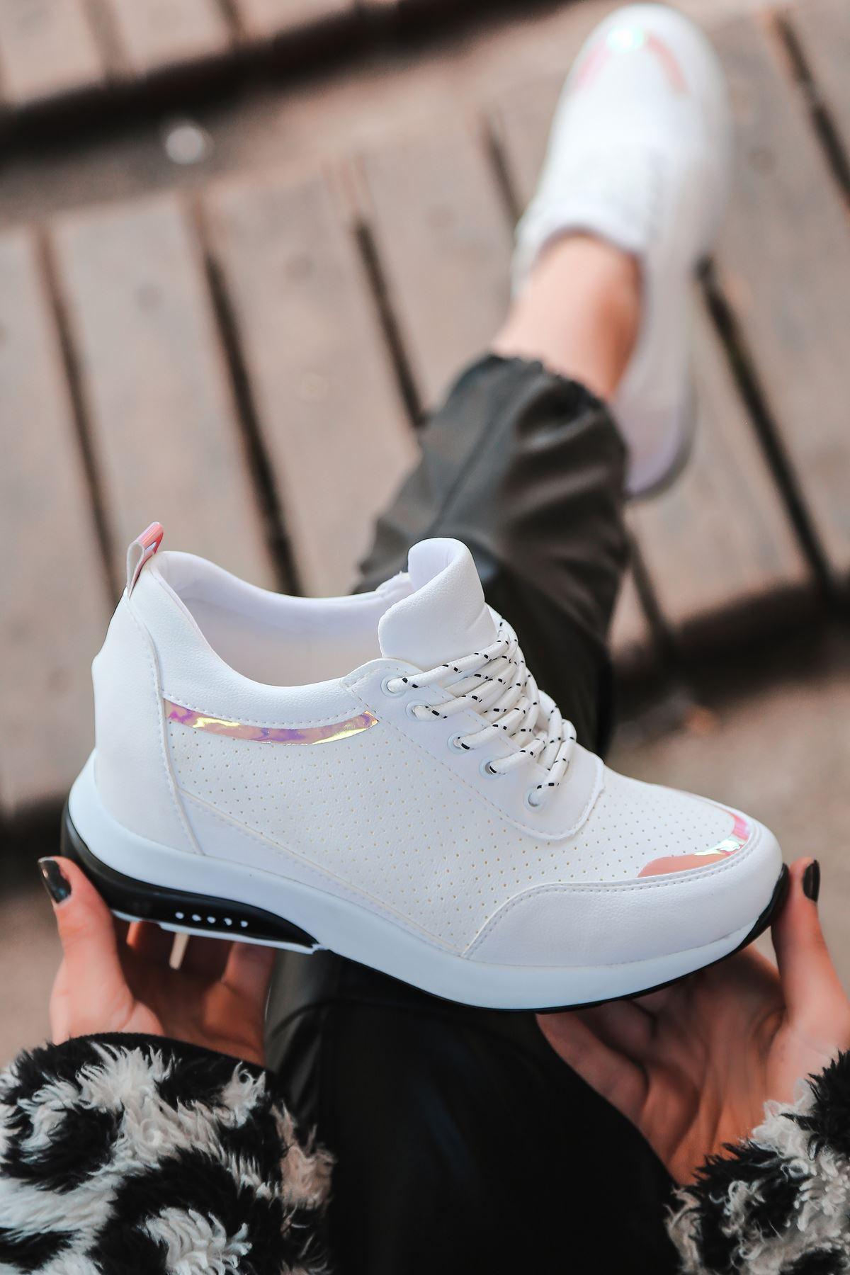 For514 Delikli Beyaz Bağcık Detaylı Kadın Spor Ayakkabı