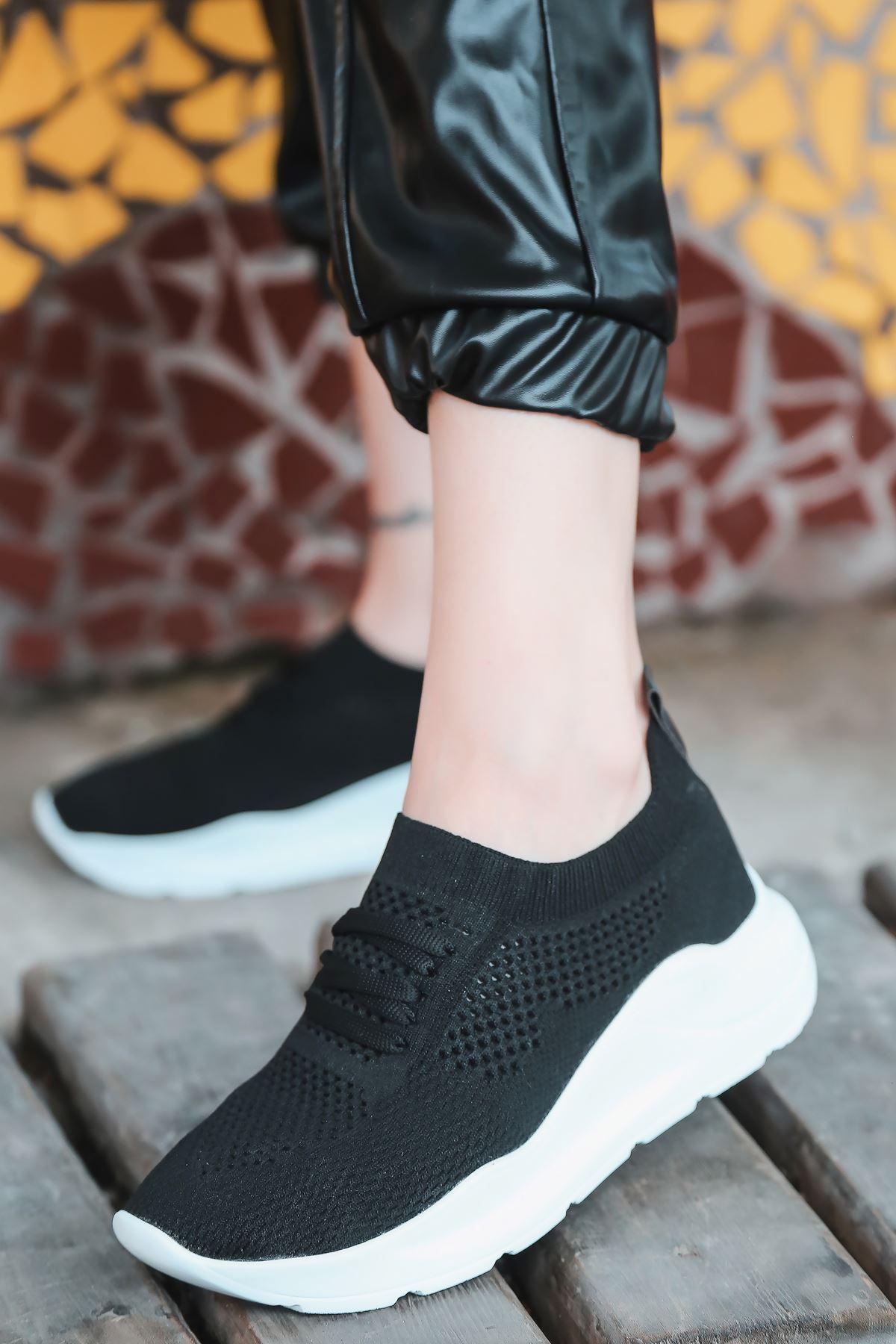 Bertha Bağcık Detaylı Siyah Triko Kadın Spor Ayakkabı