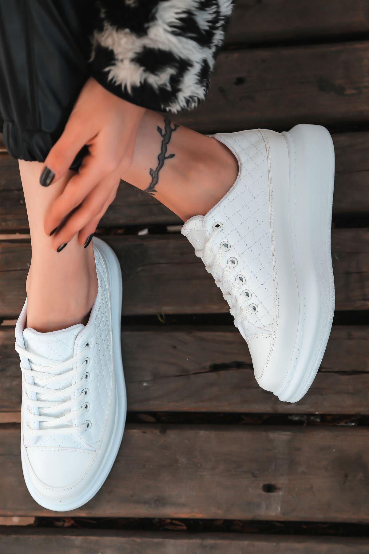 Armon Kapitone Detaylı Beyaz Kadın Spor Ayakkabı