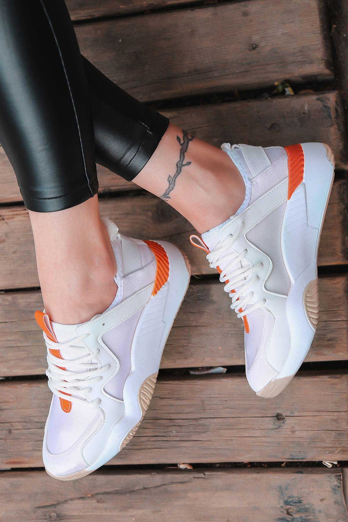 Torres Turuncu Parçalı Bağcık Detaylı Beyaz Kadın Spor Ayakkabı