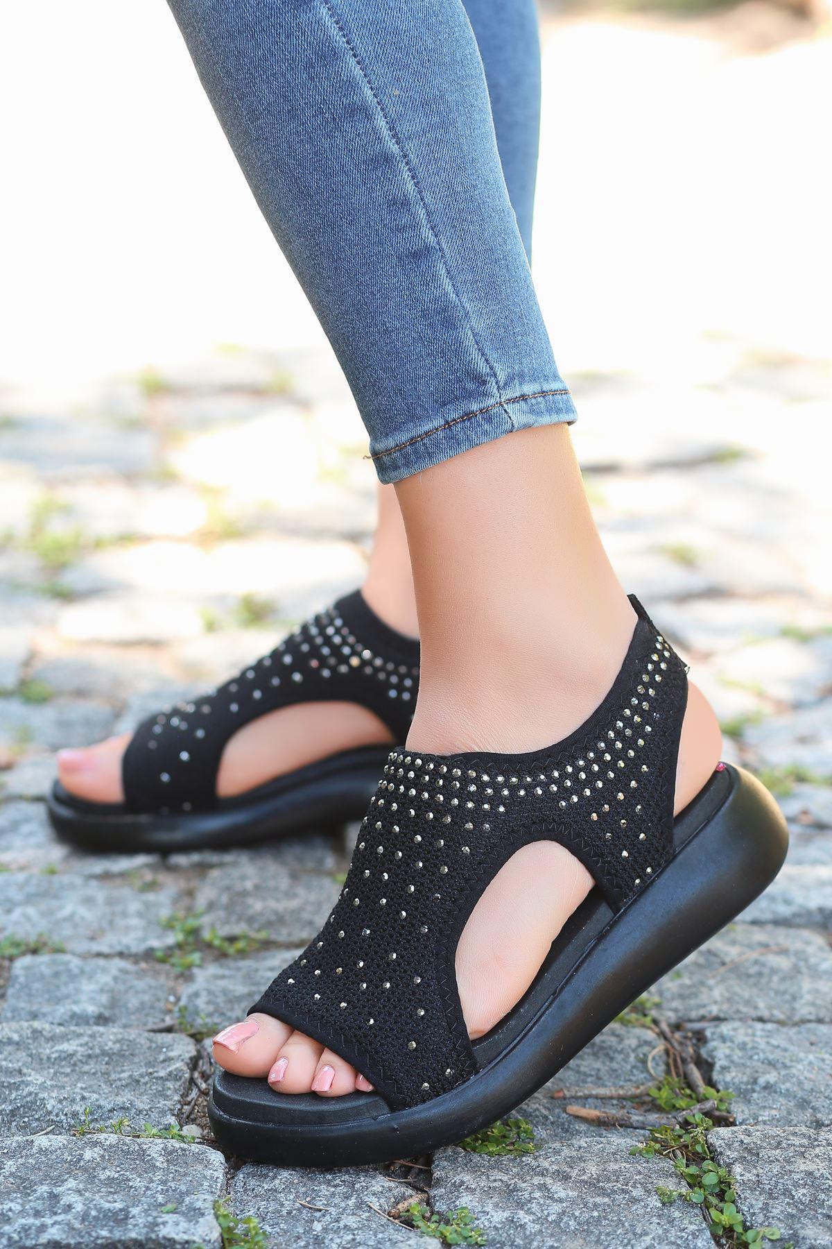 Merne Taş Detaylı Triko Siyah Kadın Sandalet