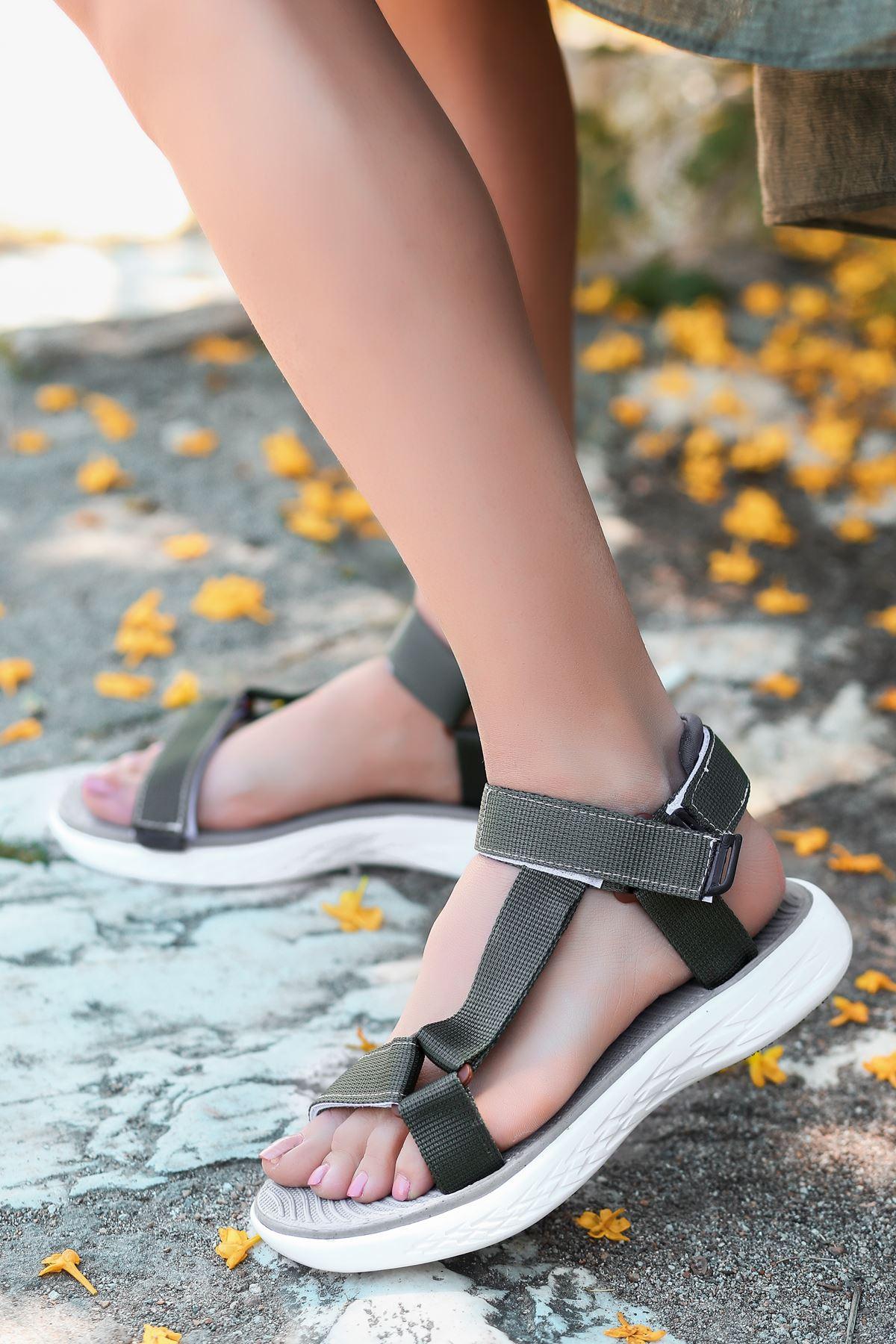 King Haki Cırtlı Kadın Sandalet