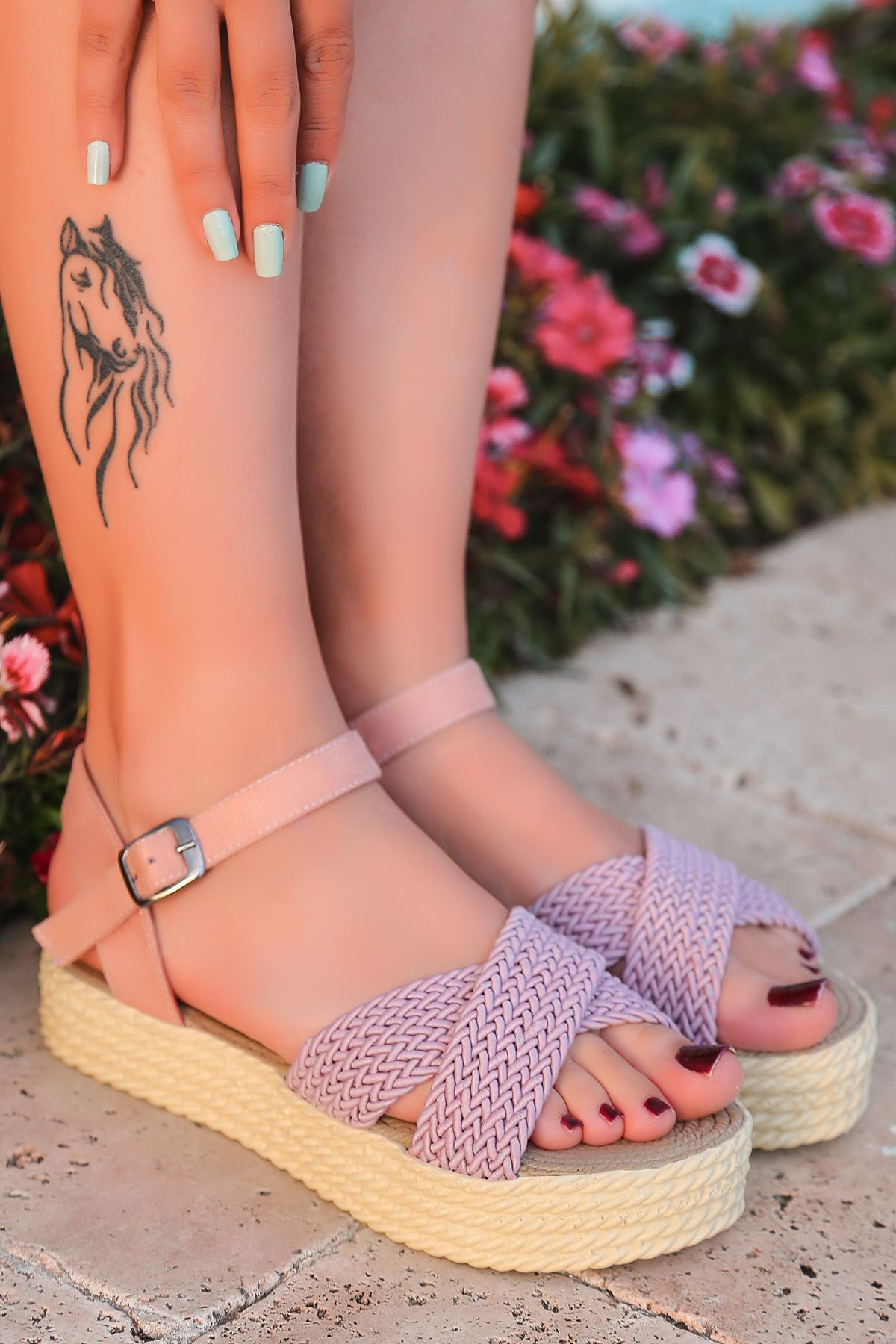 Dory Örgülü Kadın Sandalet Pudra