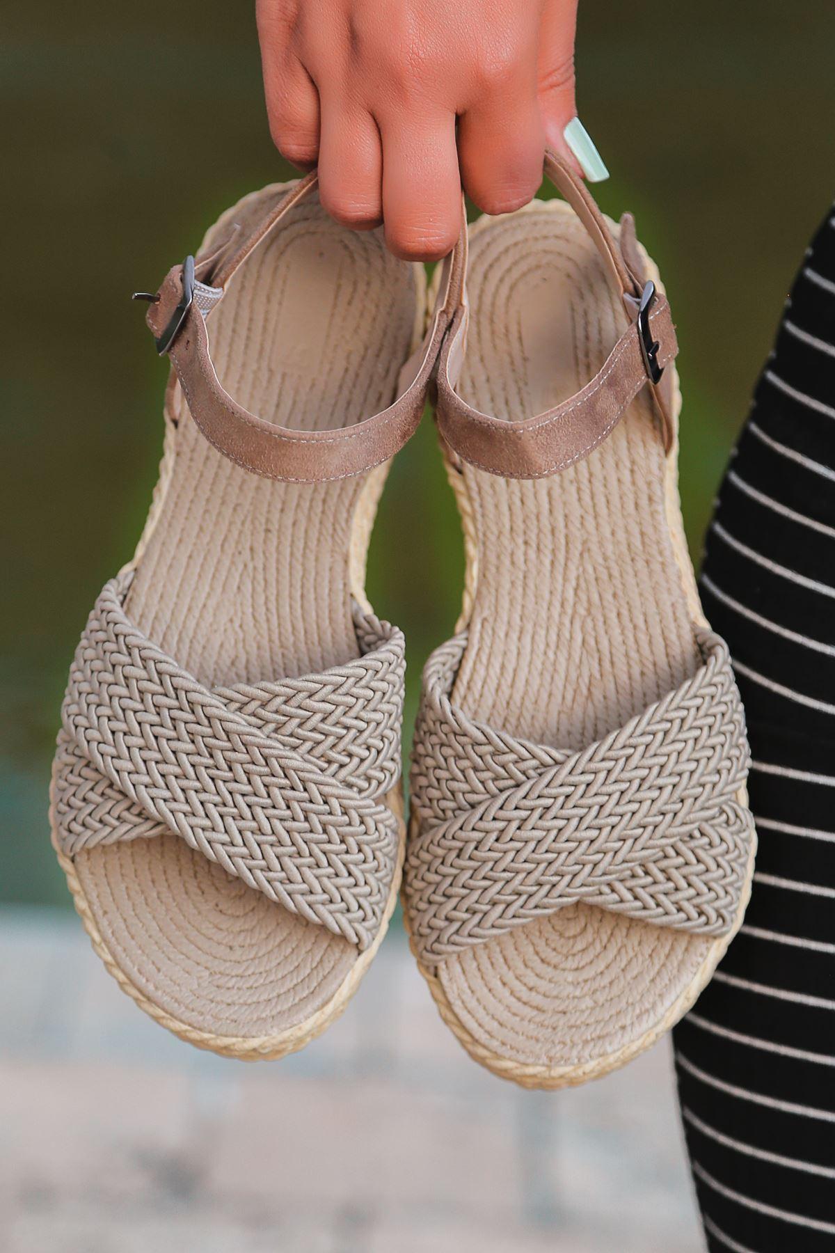 Dory Örgülü Kadın Sandalet Vizon