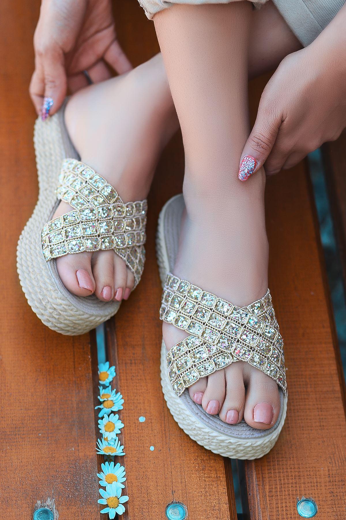 Luxury Gold Simli Kadın Terlik