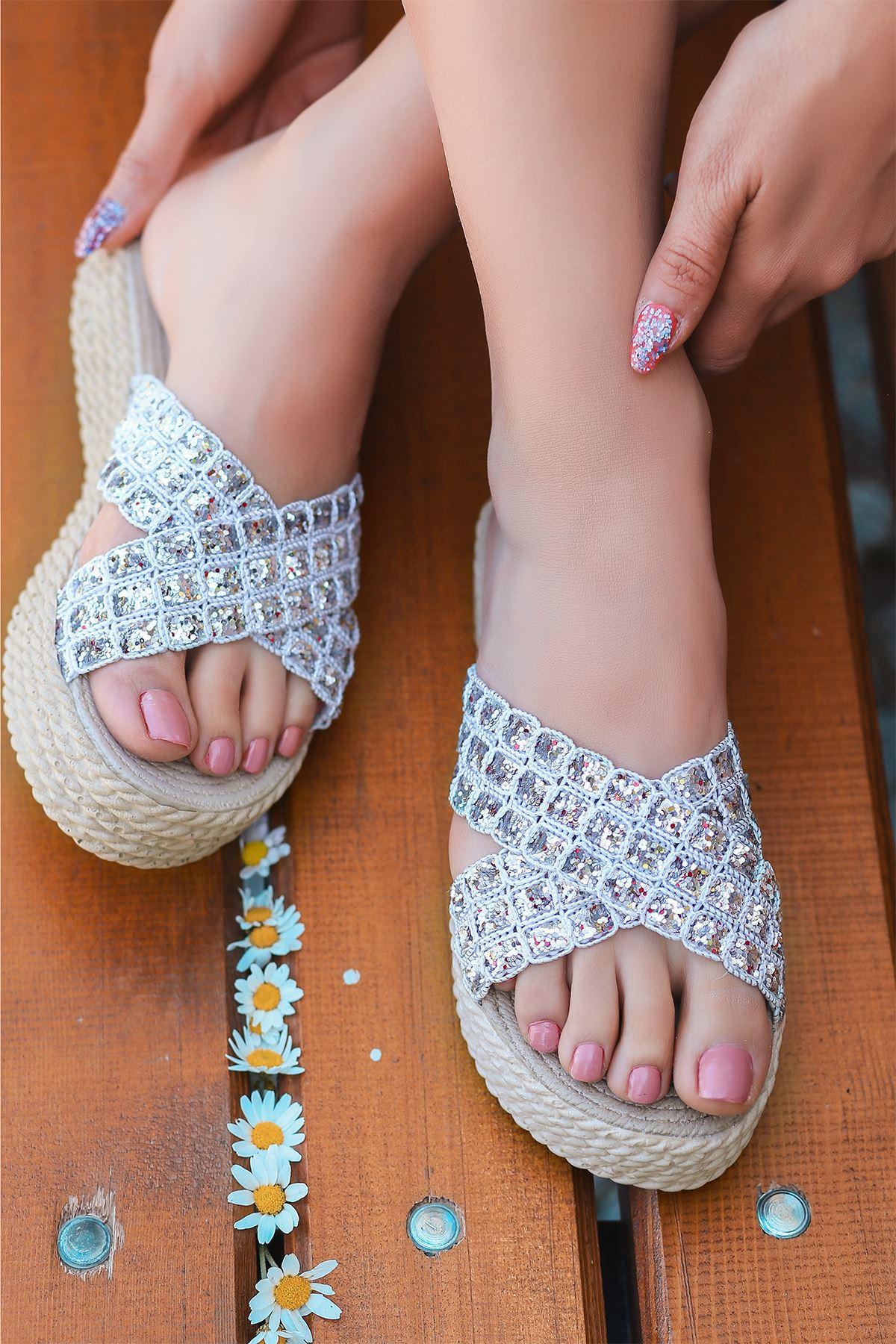 Luxury Gümüş Simli Kadın Terlik