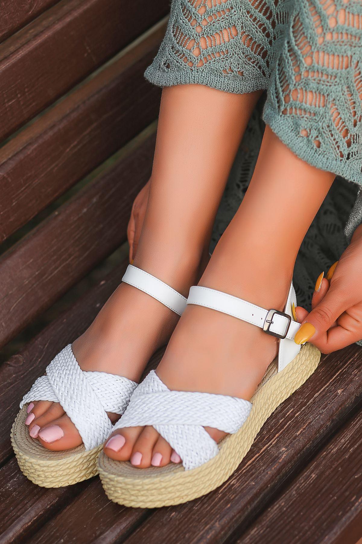 Dory Örgülü Kadın Sandalet Beyaz