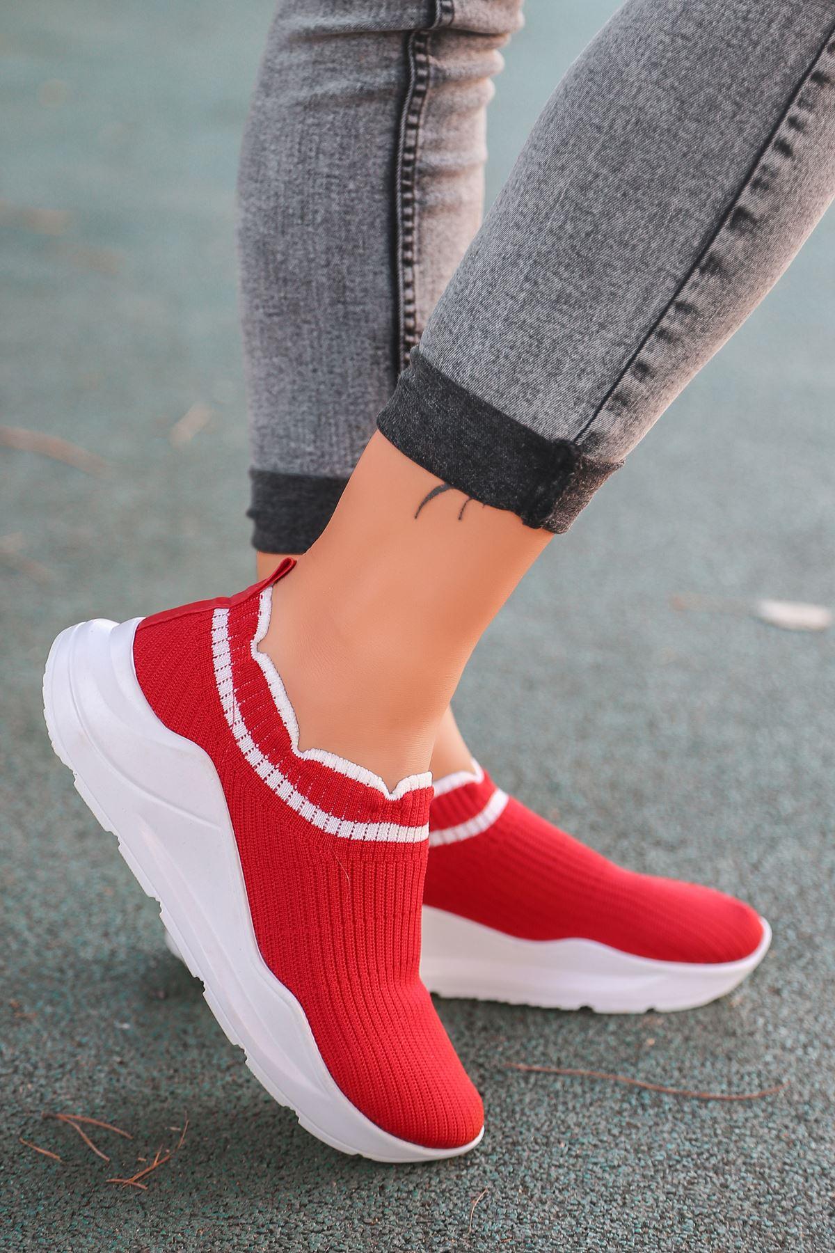 Levin Beyaz Şeritli Kırmızı Triko Kadın Spor Ayakkabı