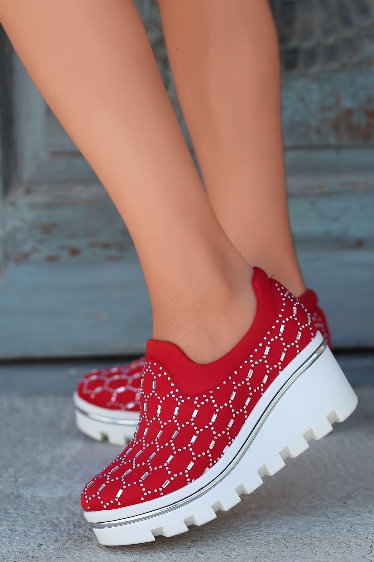 Anna Dalgıç Kumaş Taş Detay Dolgu Topuk Ayakkabı Kırmızı