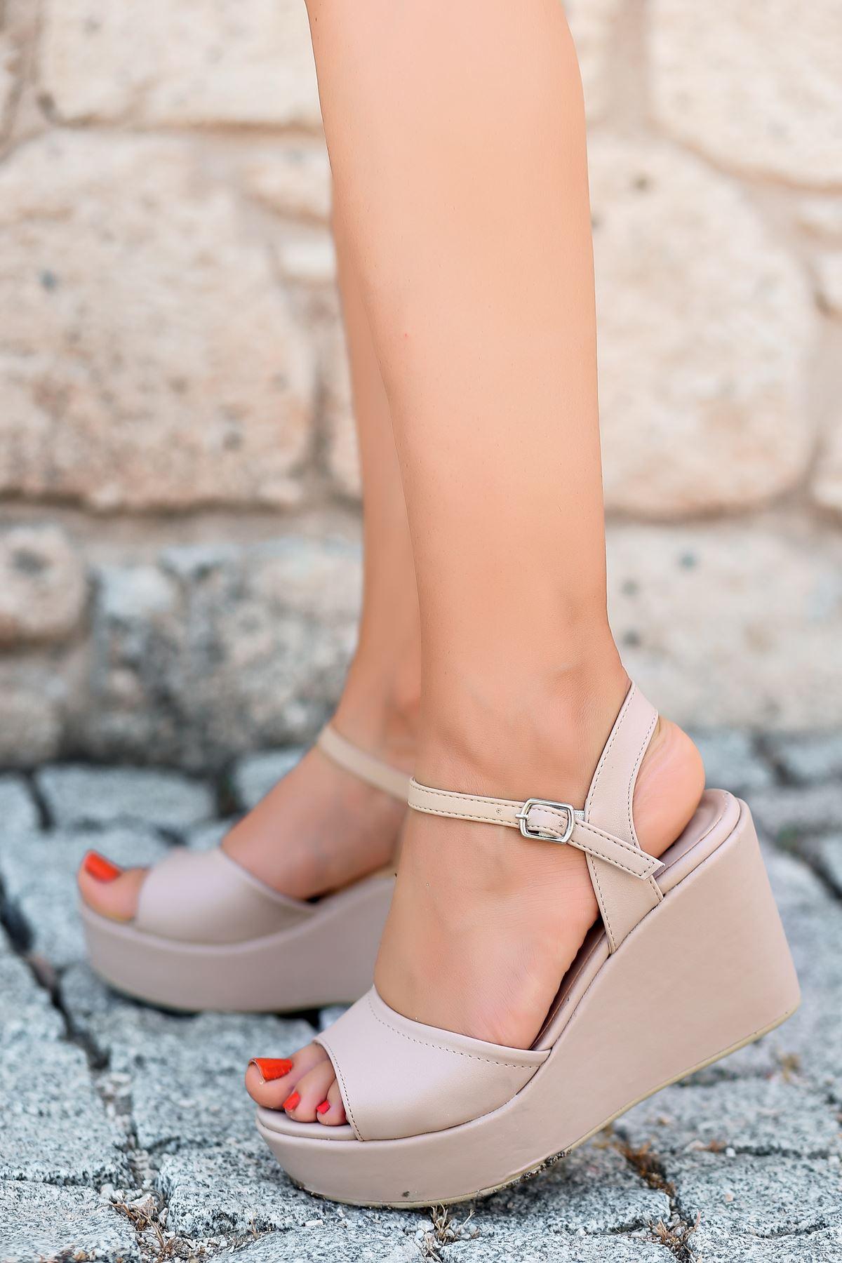 Fulya Mat Deri Ten Dolgu Topuk Kadın Ayakkabı