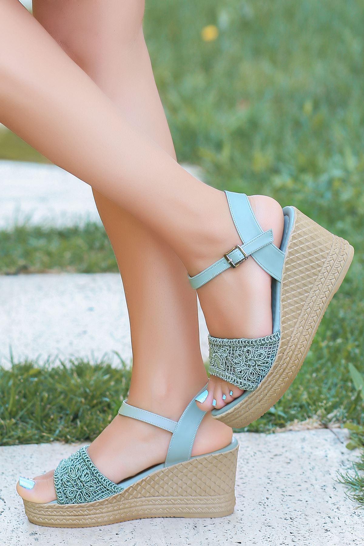 Buse Dantel Detay Dolgu Topuk Sandalet Mint Yeşili