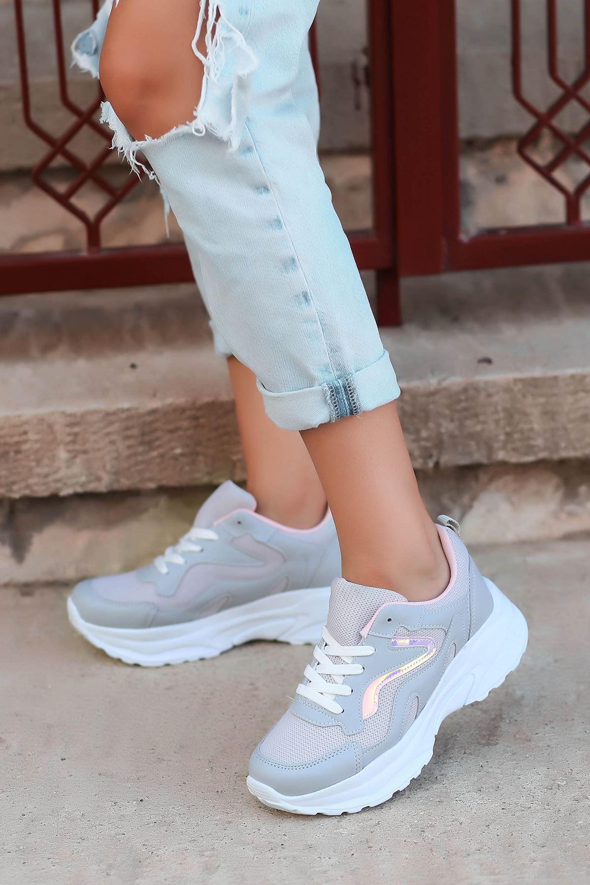 Lili Hologram Detay Fileli Gri Kadın Spor Ayakkabı