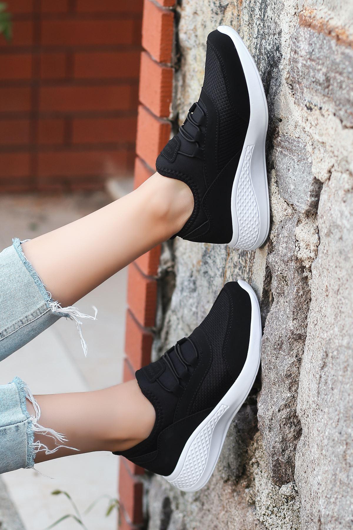 Armenno File Detay Siyah Kadın Spor Ayakkabı BT