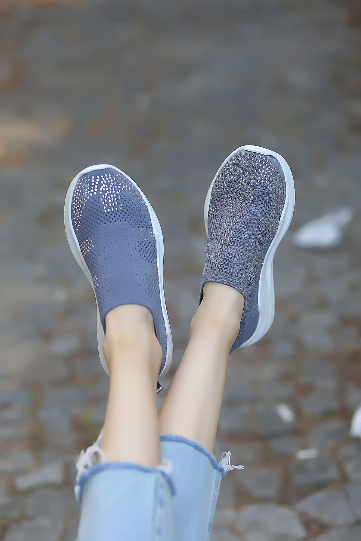Anzel Bağcık Detaylı Füme Triko Taşlı Kadın Spor Ayakkabı