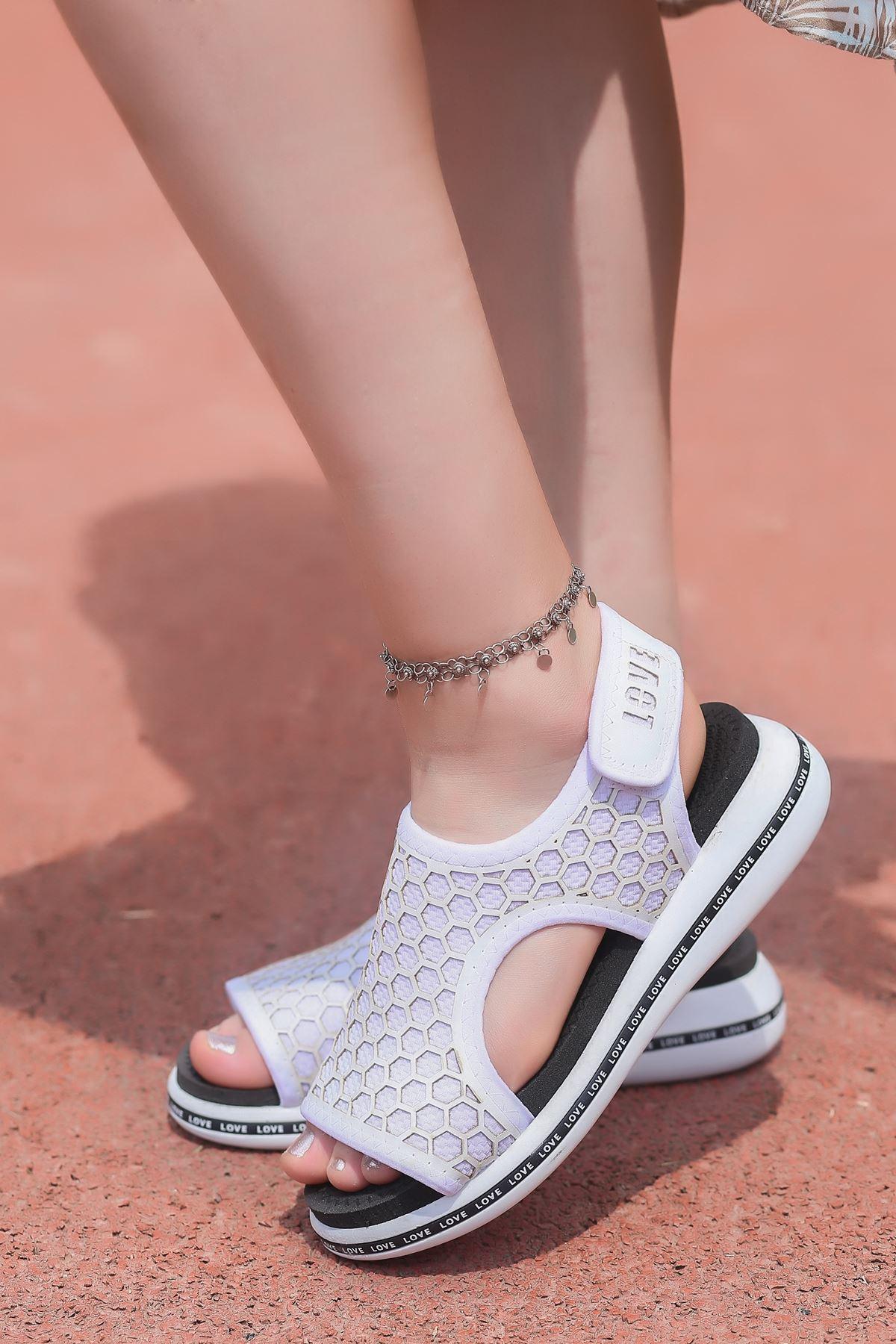 Honey Petek Detaylı Cırtlı Tekstil Kadın Sandalet Beyaz