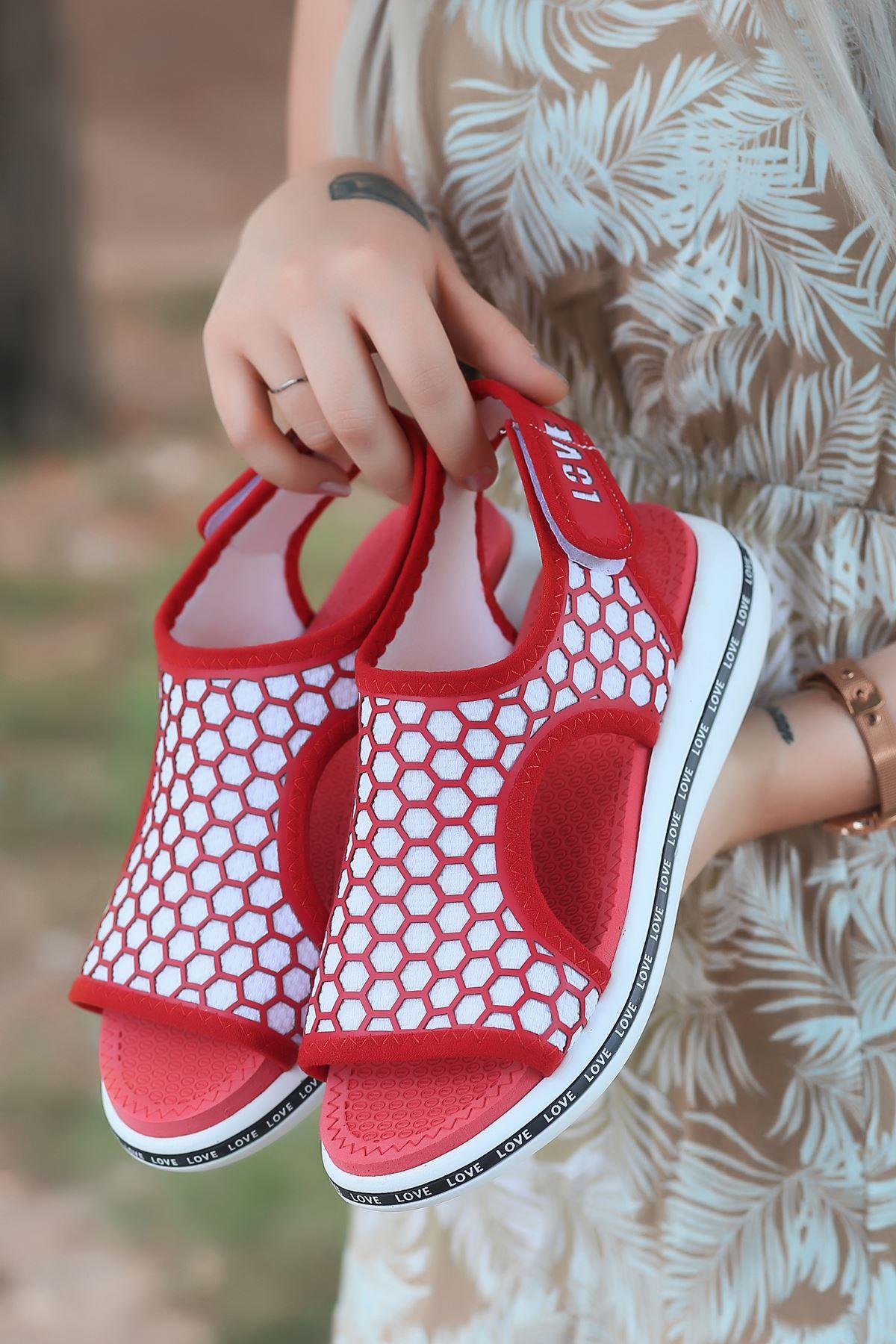 Honey Petek Detaylı Cırtlı Tekstil Kadın Sandalet Kırmızı