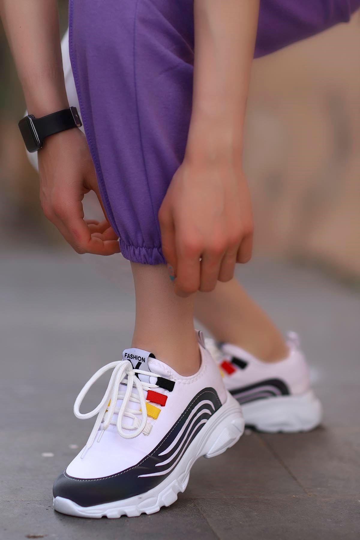 Nepal  Bağcık Detaylı Beyaz Kadın Dalgıç Kumaş Spor Ayakkabı B.T