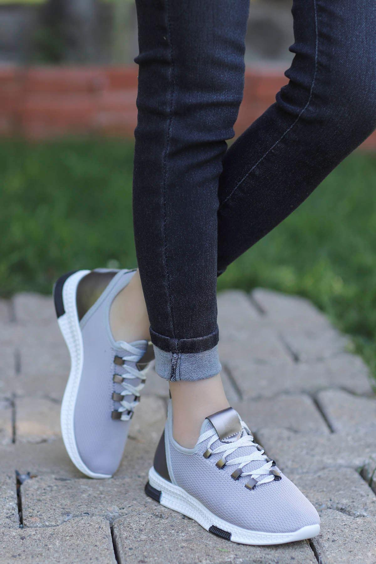 Adal Bağcık Detaylı Gri Kadın Spor Ayakkabı