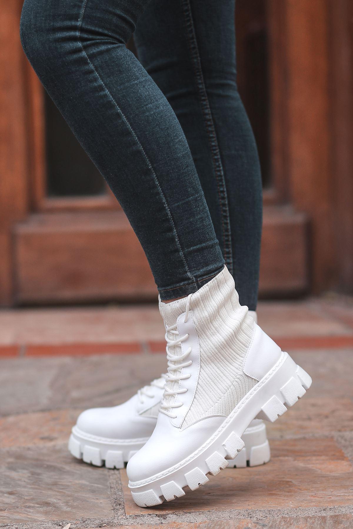 Romeo Çorap Ve Bağcık Detaylı Postal Bot Beyaz