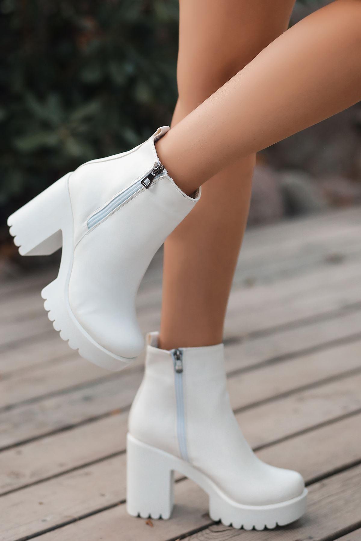 Zipper Mat Deri Çift Fermuar Detay Yüksek Topuk Bot Beyaz