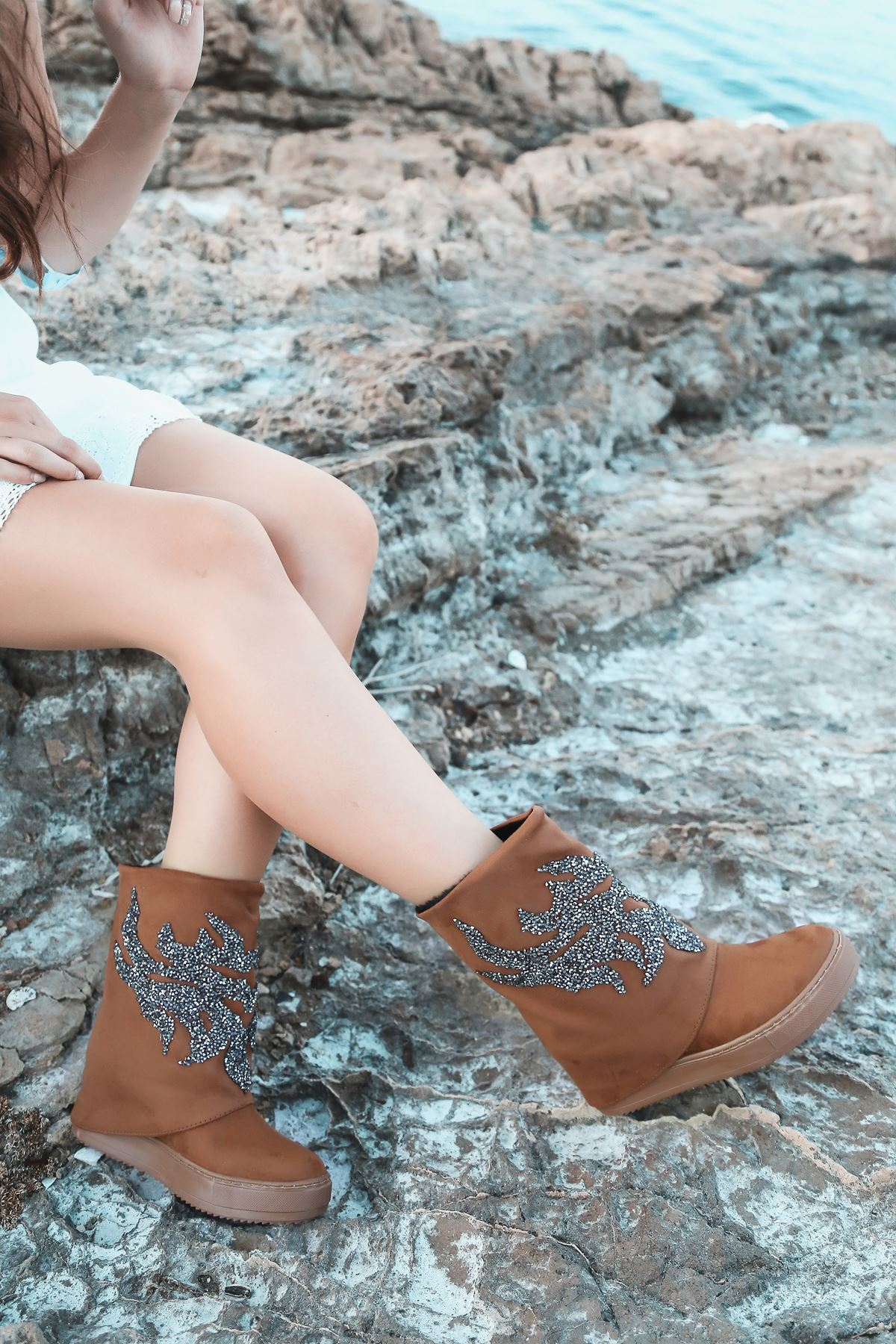 Costa Taş Detaylı Gizli Topuk Kadın Bot Taba Süet