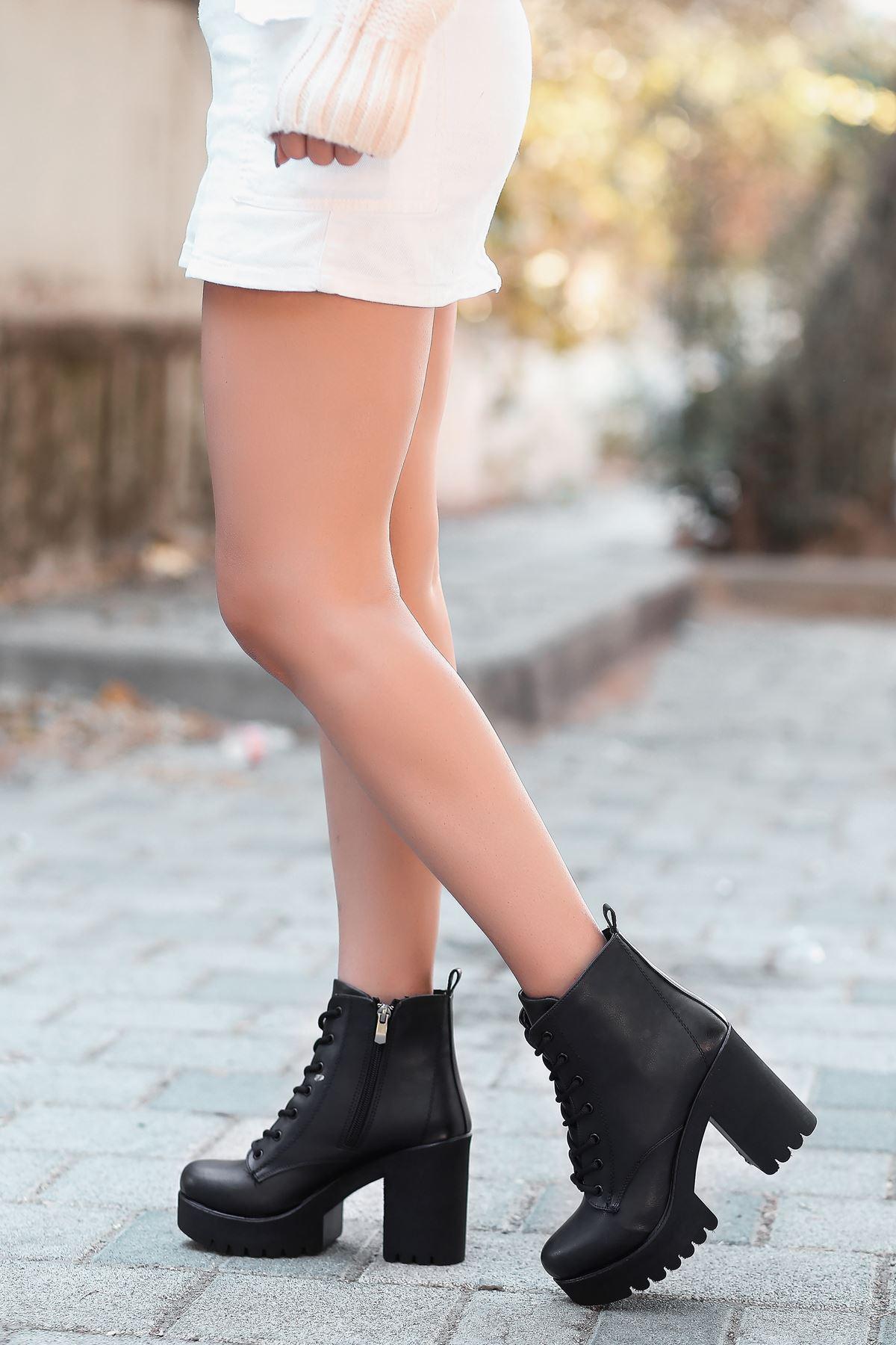 Andy Mat Deri Bağcık Detaylı Kalın Topuklu Bot Siyah
